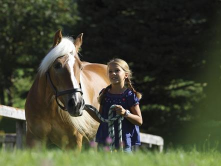 Horse riding with children in the Seiser Alm holiday region