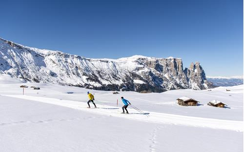 Cross-country skiing on the Seiser Alm with Schlern panorama