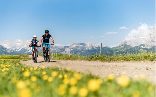 Bike adventure on the Seiser Alm - Dolomites South Tyrol