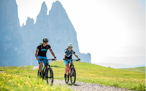 Bike holiday in the Dolomites - Seiser Alm