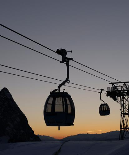 Stay mobile on holiday with the cable cars on the Seiser Alm in the heart of the Dolomites